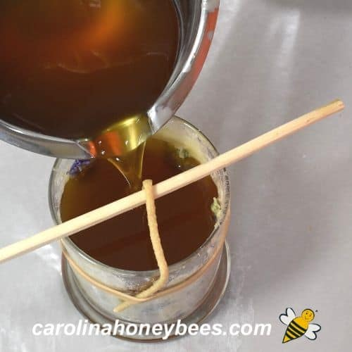 fill jar candle with melted beeswax