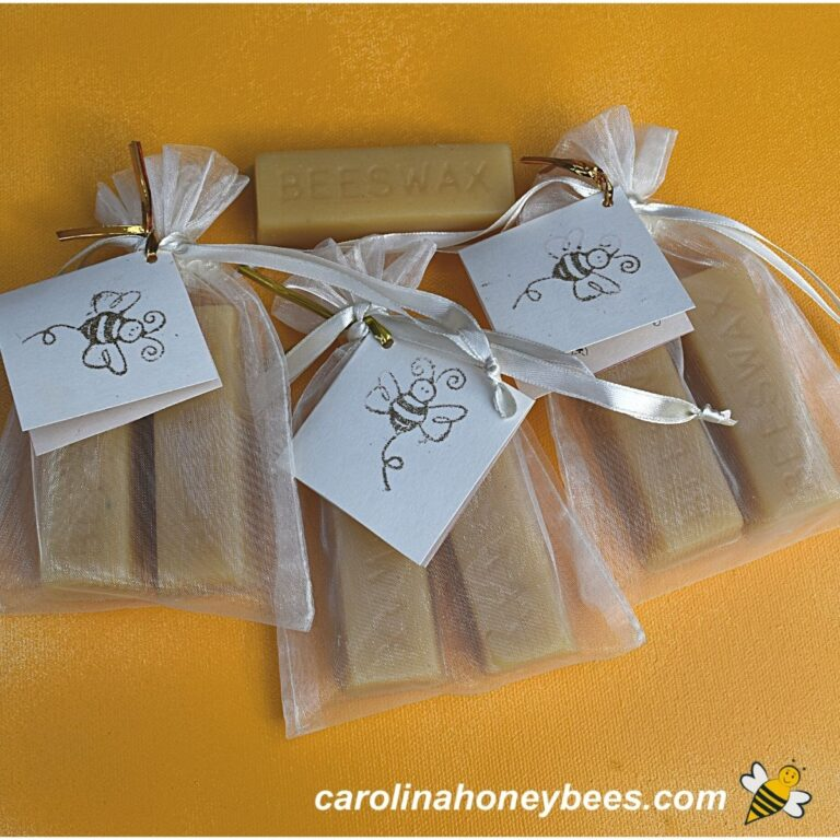 DIY Beeswax Cake for Sewing-Gift Idea