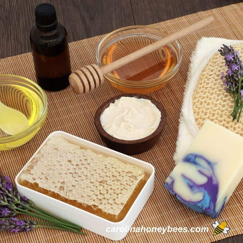Honey and other natural product for skin care image.