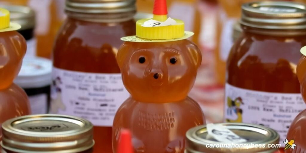 Pricing jars of honey for retail image.